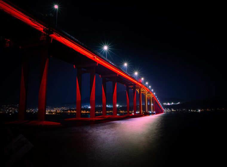 ENTTEC gear controls spectacular Tasman Bridge LED lighting
